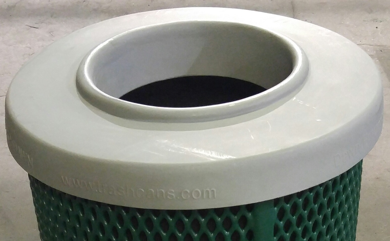 Rnd Plastic Trash Can Lid Flat Diversified Metal Fabricators